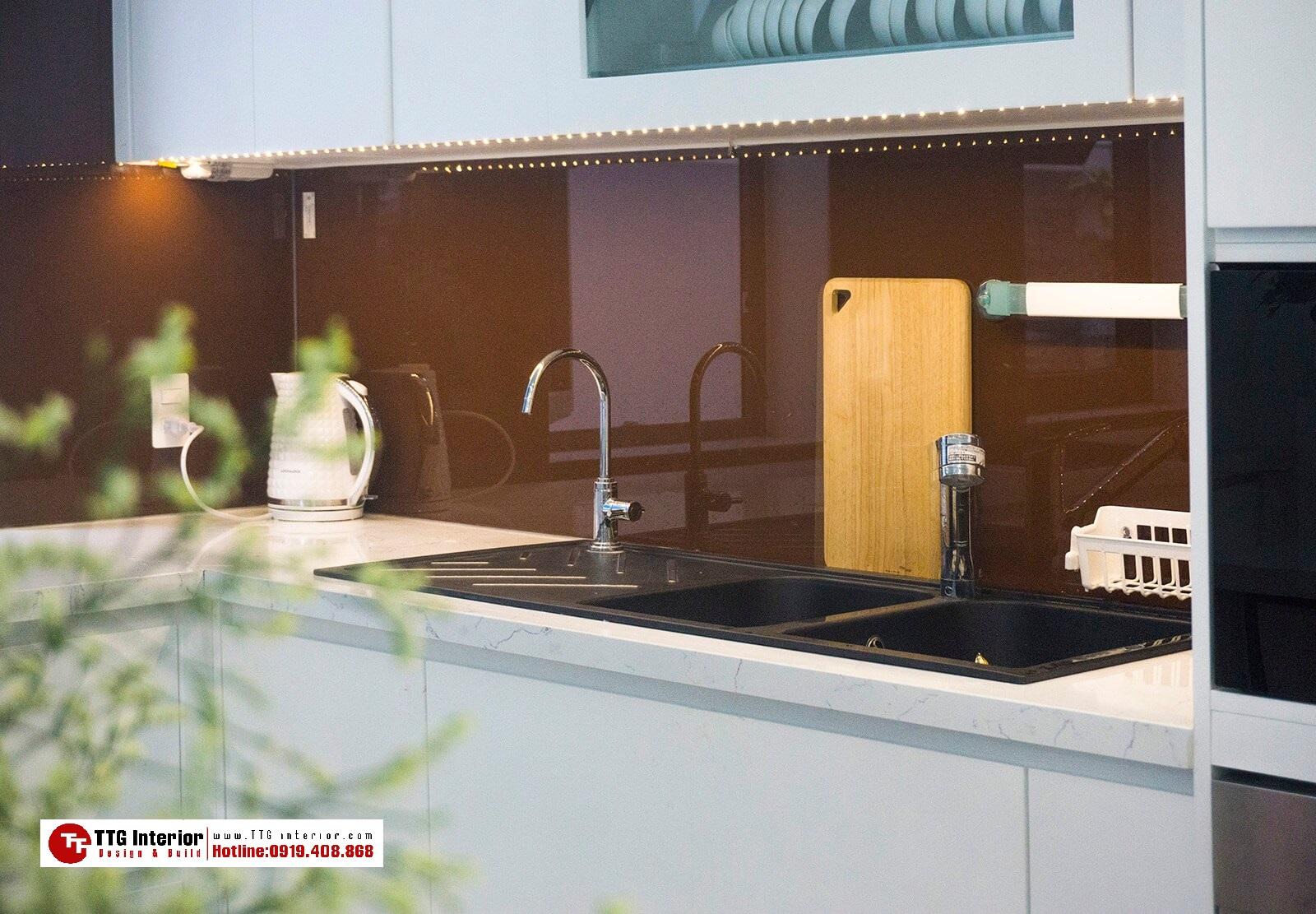 Tủ bếp hiện đại hình chữ L+ bàn đảo sang trọng vượt thời gian