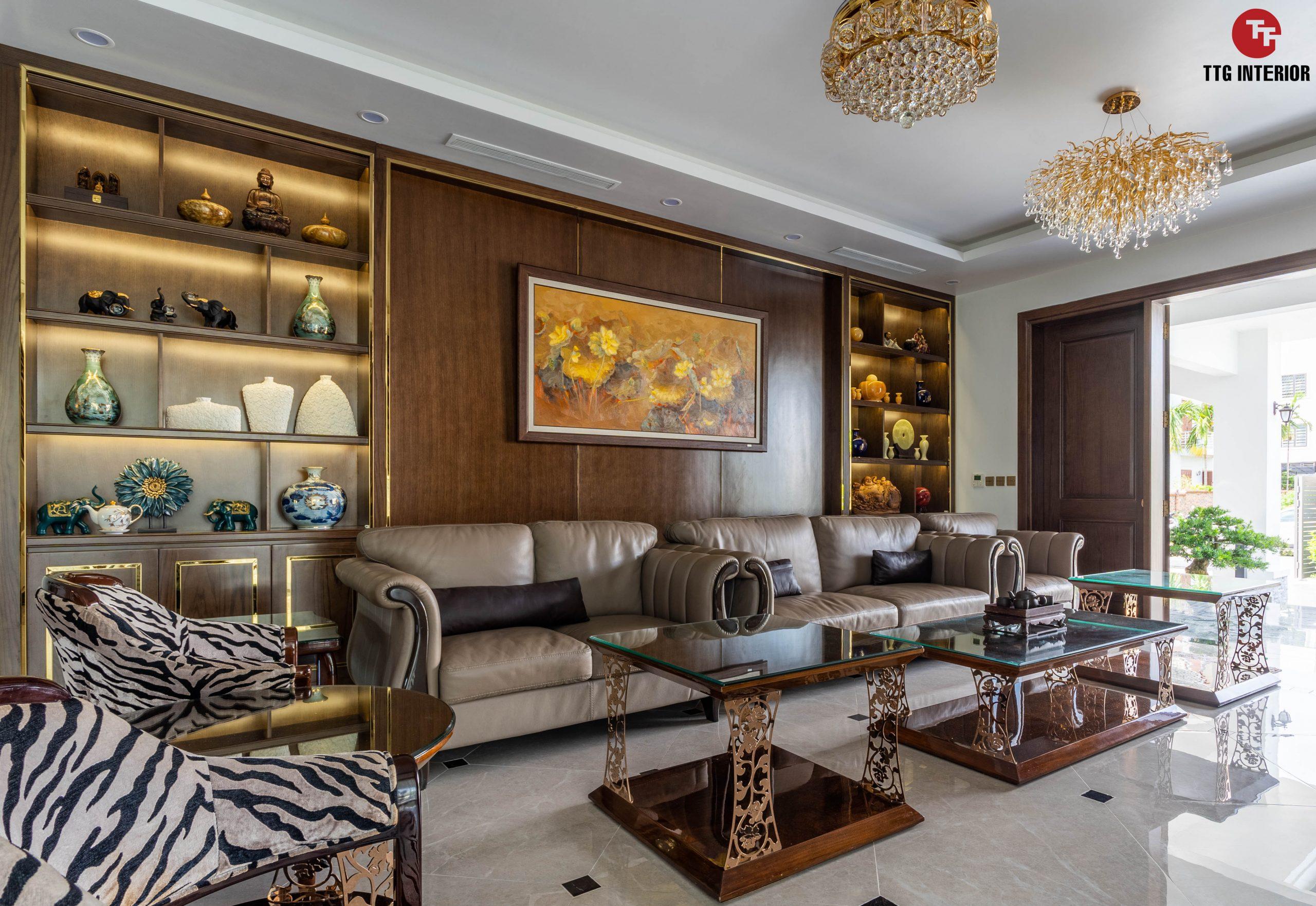 Phòng khách ấm cúng với bộ sofa được lựa chọn theo đúng sở thích gia chủ
